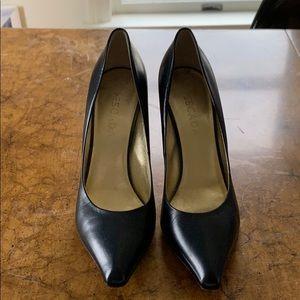 Escada black pointed toe leather pumps